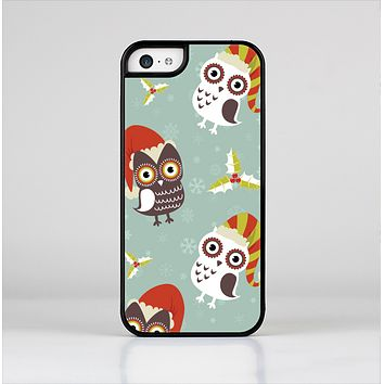 The Abstract Vintage Christmas Owls Skin-Sert Case for the Apple iPhone 5c