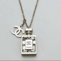 Chanel Rose gold diamond perfume bottle short necklace female models color gold necklace chain fashion clavicle chain