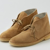 AEO Men's Clarks Suede Desert Boot (Taupe)