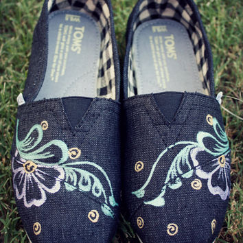 Womens - Florals Swirls Henna Custom Painted TOMS Shoes
