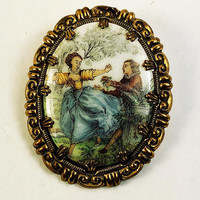 Brooch with Picture of a Couple in 1700s Attire  Gold Tone Vintage