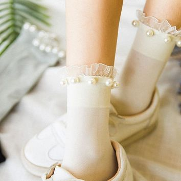 1 Pair High Quality Vintage Sweet Girl Japanese Princess Style Acrylic Pearl ball lace Socks Solid color Women autumn pile socks