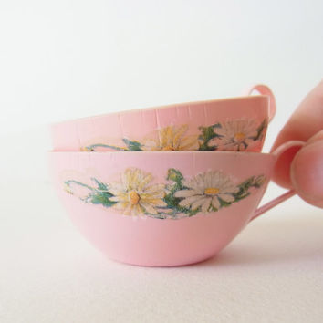 miniature cups for dolls / tiny pink cups / vintage miniature cups / dollhouse dishes 1970s 1960s pink toy cups small cups play dishes