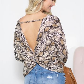 Dolman Knotted Back Twist Snake Top