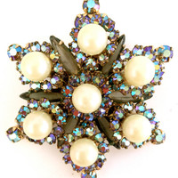 Vintage Juliana D&E Rhinestone and Faux Pearl Star Brooch
