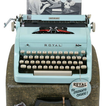 1955 Blue Royal Quiet De Luxe Typewriter / Original Case, Key and Manual / Professionally Serviced / Excellent Condition