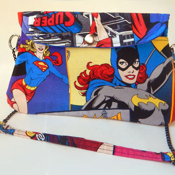 Wonder Woman Clutch Purse / Cross Body Bag with Chain Strap /  Comics / Comic Books / Geekery / Batgirl/ Supergirl / Superhero / Femmes