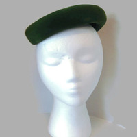 1950s Hat / Emerald Green Velvet Mini Pillbox Hat, Cocktail Hat, Stix Baer and Fuller