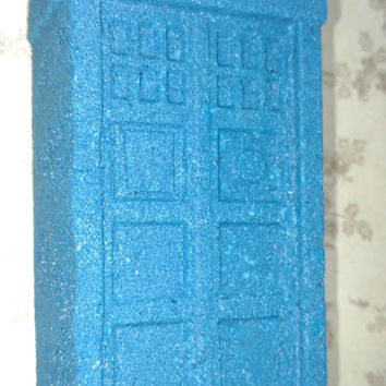 1 Tardis Bath Bomb (large) / Bathbomb / Bath Bomb / Bath Fizzy / Blue Bath Bomb / Geeky Bath Bomb / Unisex / Bathfizzy / Bath / Spa / Large