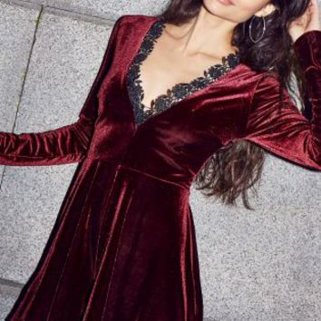 Buy Lipsy Velvet Playsuit online today at Next: Deutschland