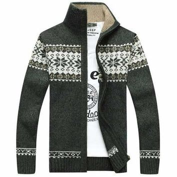 Mens Sweater Snowflake Pattern Knitted Thick Casual Cardigan