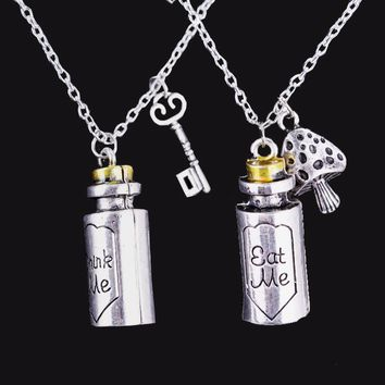 Alice in Wonderland Necklace Eat Me Drank Me Charms Pendant Necklace Alloy Bottle Pendant Choker Women Girl Jewelry