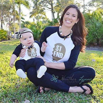 family mom and son baby matching clothes