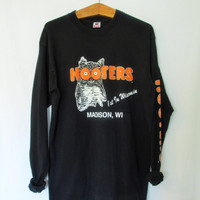 Vintage 1990s Hooters Madison Wisconsin Long Sleeve Tee