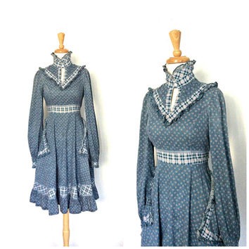 Vintage Gunne Sax Dress / 70s dress / prairie dress / gypsy clothing / peasant  / midi  / western dress /  folk /  small medium