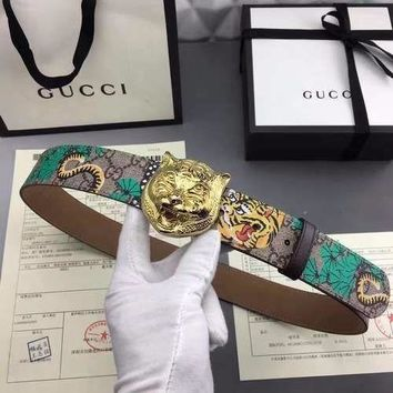 GUCCI Leather belt with feline buckle - sz 95
