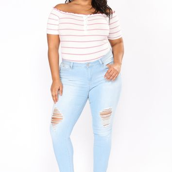 Come Get Her Booty Lifting Jeans - Light Blue