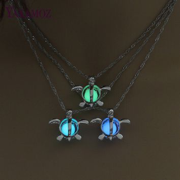 Vintage Silver Color Hollow Turtle Pendant Necklace For Girlfriend Gift Jewelry Glowing In The Dark Luminous Choker 3 Colors