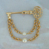 Key Shaped Chatelaine Brooch Eye Glass Holder Pearls Real Estate Vintage Jewelry