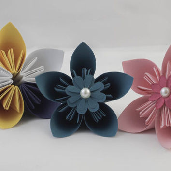 Beautiful origami flowers - 3-5 medium (made to order)