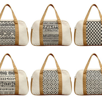 Women's Black & White Geometric Pattern Printed Canvas Duffel Travel Bags WAS_19
