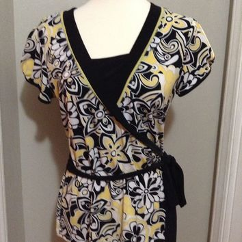 STYLE CO YELLOW Floral printed Graphic career SILKY POLY faux wrap TOP M shirt