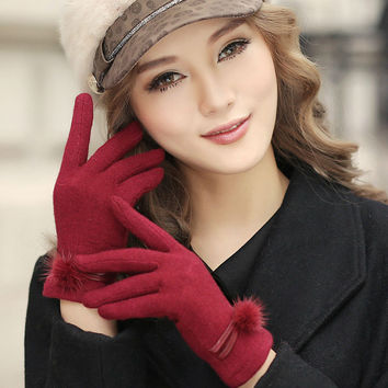 Warm Soft Wool Winter Gloves Women Cute Fluffy Fur Ball Thick Gloves Stacked V Knitting Handmade Lady High-End Fingered Gloves