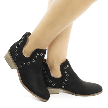 Mojave03 Black By Wild Diva, Women Western Pull On Ankle Booties w Side Slit & Metal Detail