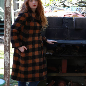 Original 60s wool tweed coat / vintage mohair herringbone in rich Amber and black / double breasted classic soft and warm