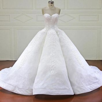 Elegant Ball Gown Wedding Dress Sweetheart Royal Train Lace Bridal Gowns