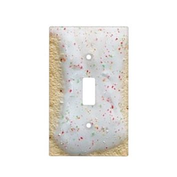 Light Breakfast Single Toggle Light Switch Cover