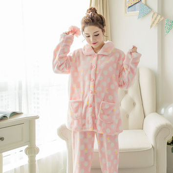 2016 Pyjamas Winter Adult Lovers Pajamas Women Costume Pajamas Coral Fleece thickening Keep Warm Sleepwear Set
