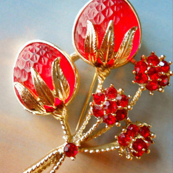 Vintage Sarah Coventry Brooch Strawberry Red Rhinestones & Glass - signed