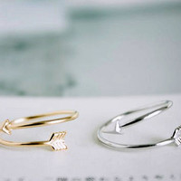 Adjustable arrow ring in silver/ gold, modern. delicate,  stacking ring, everyday ring, chic, simple and elegant