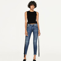 THE SKINNY IN ISLAND BLUEDETAILS