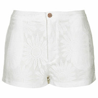 **TAYLOR SHORTS WHITE BY MOTEL