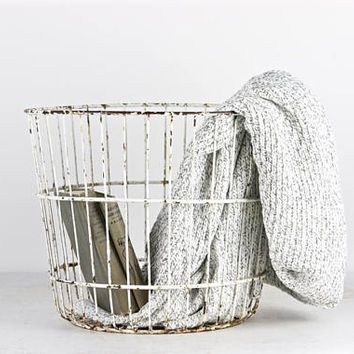 White Wire Basket Vintage Wire Basket Chippy White Wire Basket White Egg Basket  Wire Metal Trash Can Vintage Egg Basket Large Wire Basket