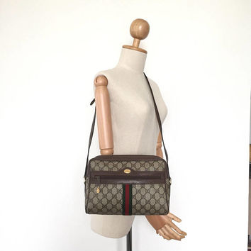 Authentic Gucci Vintage GG pattern shoulder bag
