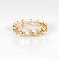 Melanie Casey - 14k Vine Wedding Band