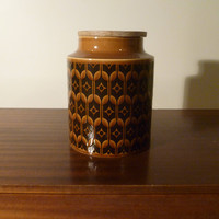 """Vintage 1960s Hornsea """"Heirloom"""" Pattern Large Sized Storage Jar / Made in England / Retro Brown Pottery Canister with Sealable Wooden Lid"""
