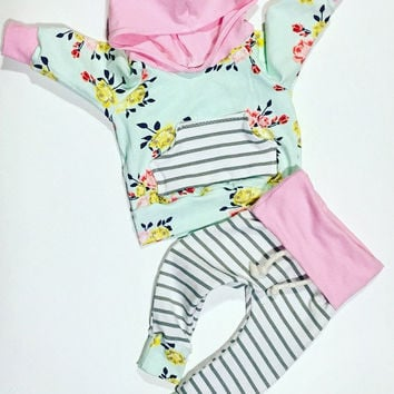 Baby girl clothes / cute baby clothes / baby shower gift / floral baby outfit / Newborn girl outfit / baby hoodie / baby pants / pink baby