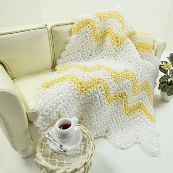 Ripple Afghan, Scale Dollhouse Miniature, Yellow Blanket, Chevron Blanket, Girl Doll Blanket, Doll Cover, Crochet Blanket, Mini Doll Blanket