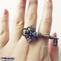 Cute Retro Vintage Dazzling Rhinestone Key Double Finger Ring Rings