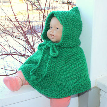 St.Patrick's baby cape. Handknit baby poncho. Green wool poncho. Unisex.  Newborn to 18 months Irish children clothing Baby car seat wrap