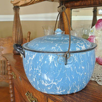 Graniteware Kettle Covered Berlin Style Light Blue and White Swirl Antique Enamelware Rustic Farmhouse Camping Campfire Cooking Granite Ware