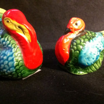 Turkey and Hen Salt and Pepper Shakers (298)