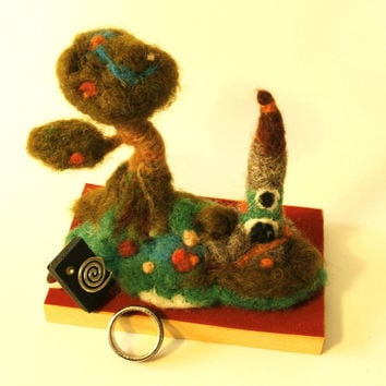 Needle Felting tree ring holder felted tree fairy landscape ring holder