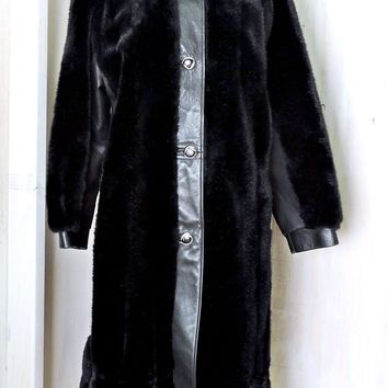 Vintage 70s faux fur leather coat / size M / black faux fur coat / long winter coat / Imported French simulation fur / Tissavel France