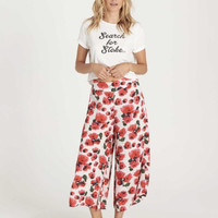 Can It Be Floral Crop Pant White/Red