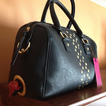 Edgy Gold Studs Make a Statement as you Tap 5 or 3 Liters of Bag Wine